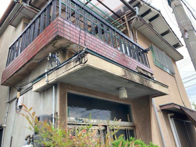 八尾市の築40年木造住宅の外壁タイル落下は雨漏りが原因でした。
