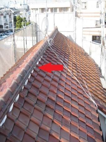 八尾市 屋根の白い部分の劣化