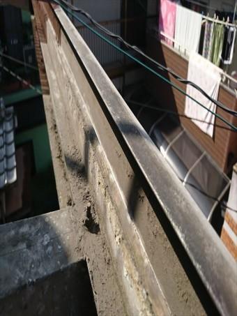 波板の樋清掃