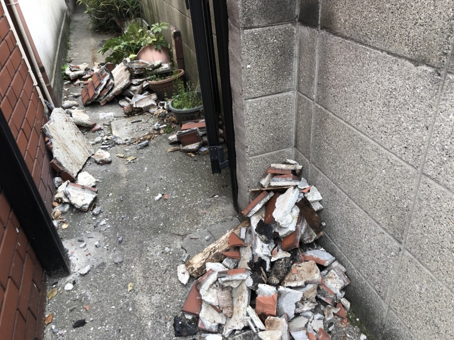 八尾市 外壁が落下
