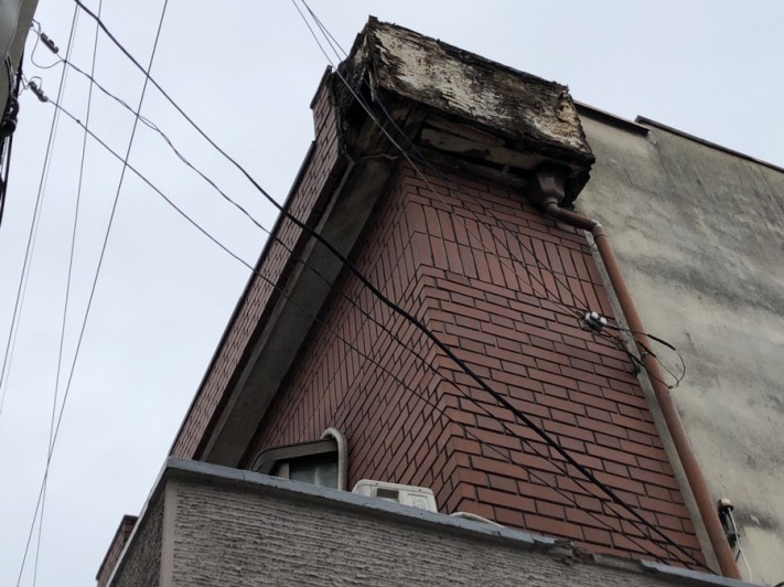 八尾市 二階の壁落ちた
