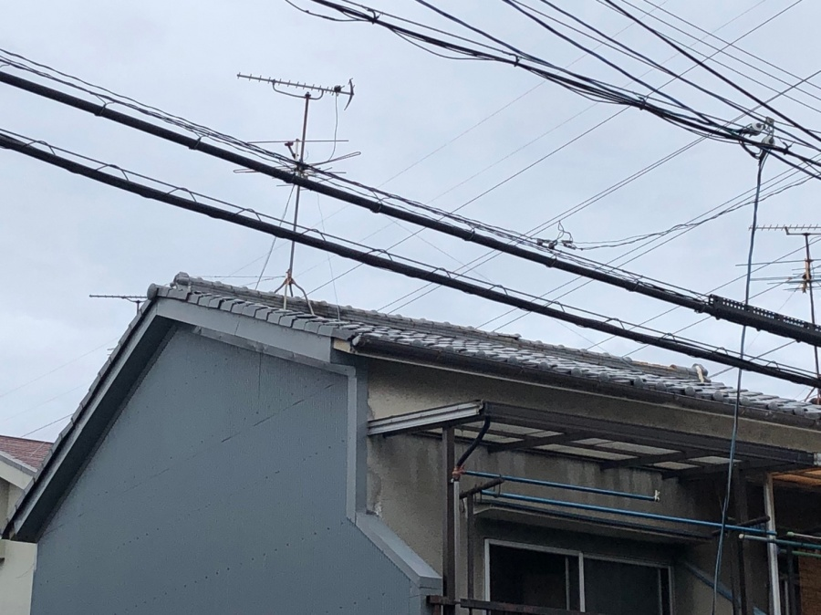 屋根の棟瓦落下