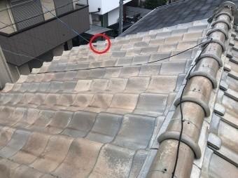屋根瓦がズレている