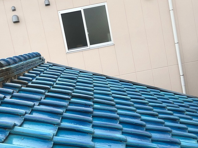 屋根の浮き