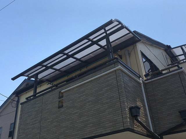 テラス屋根が浮いた
