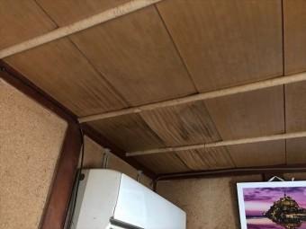 雨漏れ天井