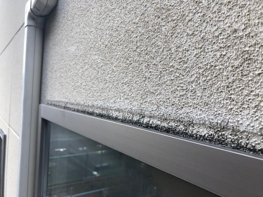 窓枠の隙間
