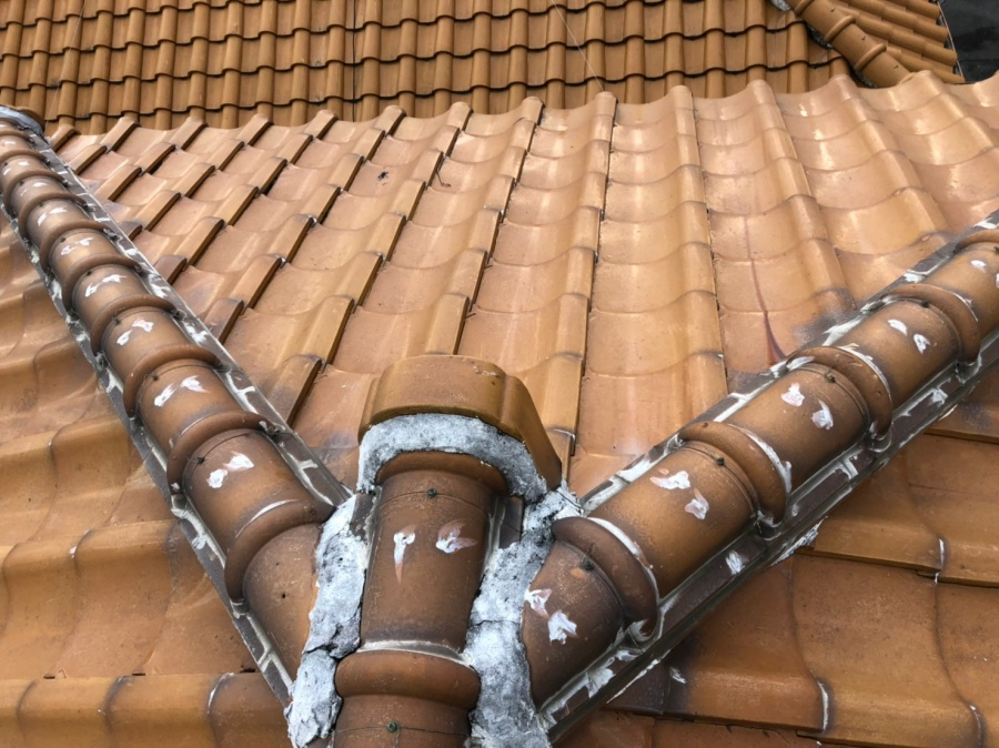 瓦屋根の点検