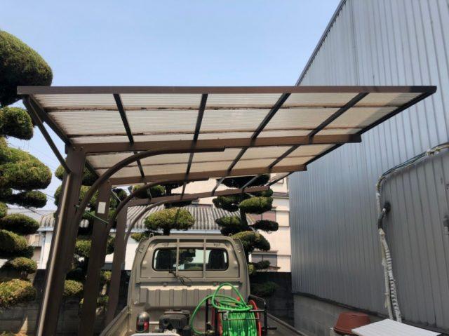 車置き場の屋根