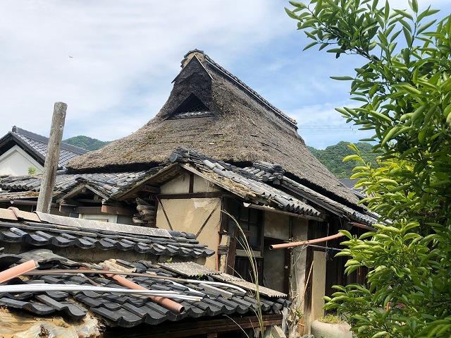 茅葺き屋根劣化