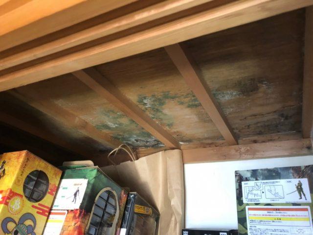 押入れの天井から雨漏り