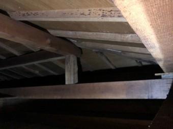 屋根裏点検