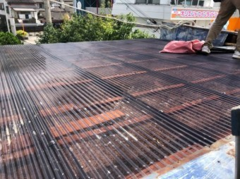 波板の屋根