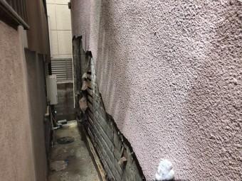 外壁_モルタル_状態_路地