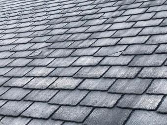 屋根瓦の割れ