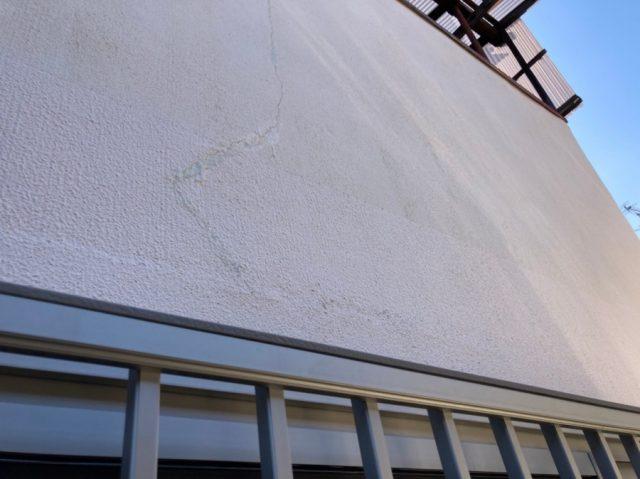 八尾市で外壁のクラック補修をしました