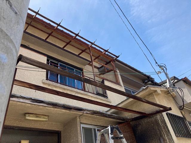 八尾市で屋根外壁工事2日目足場の組立と施工前点検の実施