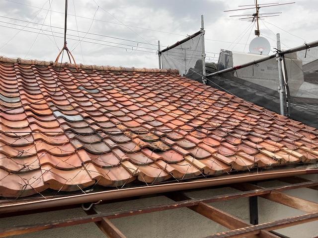 八尾市で屋根葺き替えコロニアルクァッドの施工