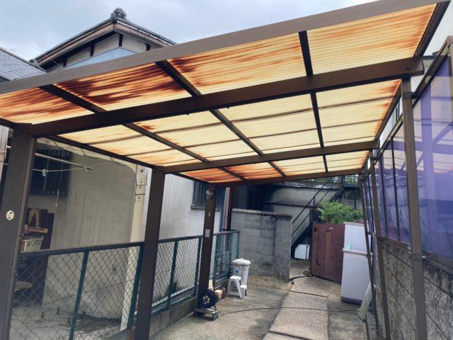 八尾市の駐車場の屋根