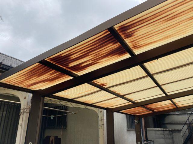 八尾市の駐車場の屋根劣化