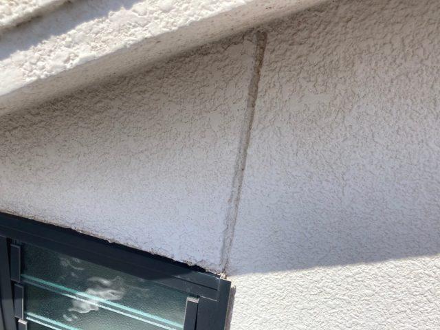 八尾市で窓付近で雨漏り