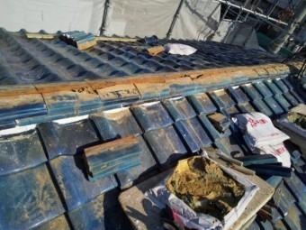 棟瓦撤去後の写真