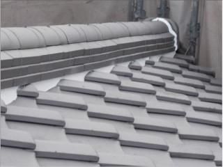 補修した屋根の漆喰