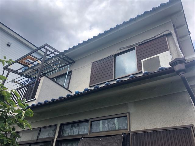 台風被害に遭った建物全体