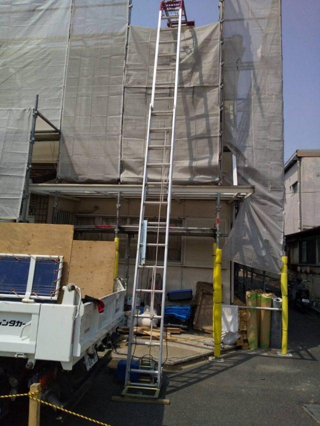 屋根工事風景