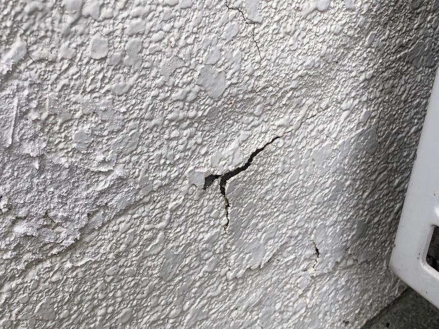 外壁塗装がめくれ
