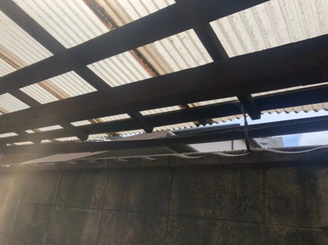 八尾市で雨樋工事をし樋の中を雨がしっかり通るようになりました