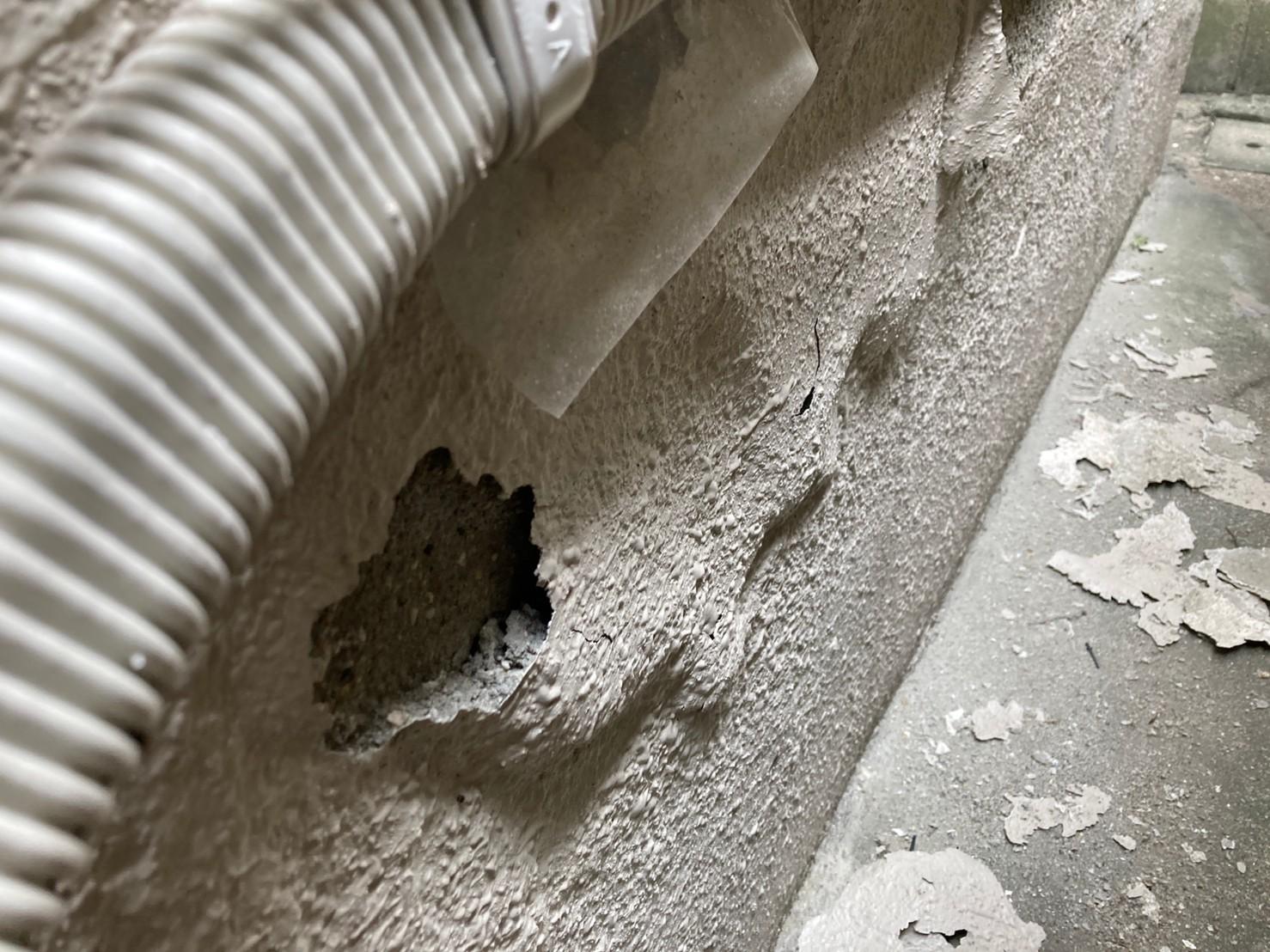 八尾市で外壁塗装の塗膜が膨らんできた。補修工事。