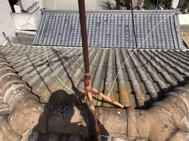 屋根の上のテレビアンテナ