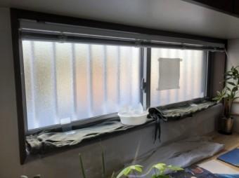 窓から雨漏り