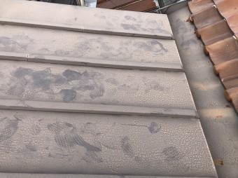瓦棒の屋根谷板金