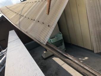 八尾 テラス屋根 波板