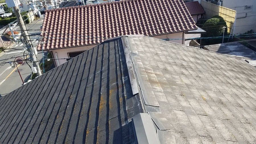 八尾市で台風被害カラーベストの屋根棟板金が落下した