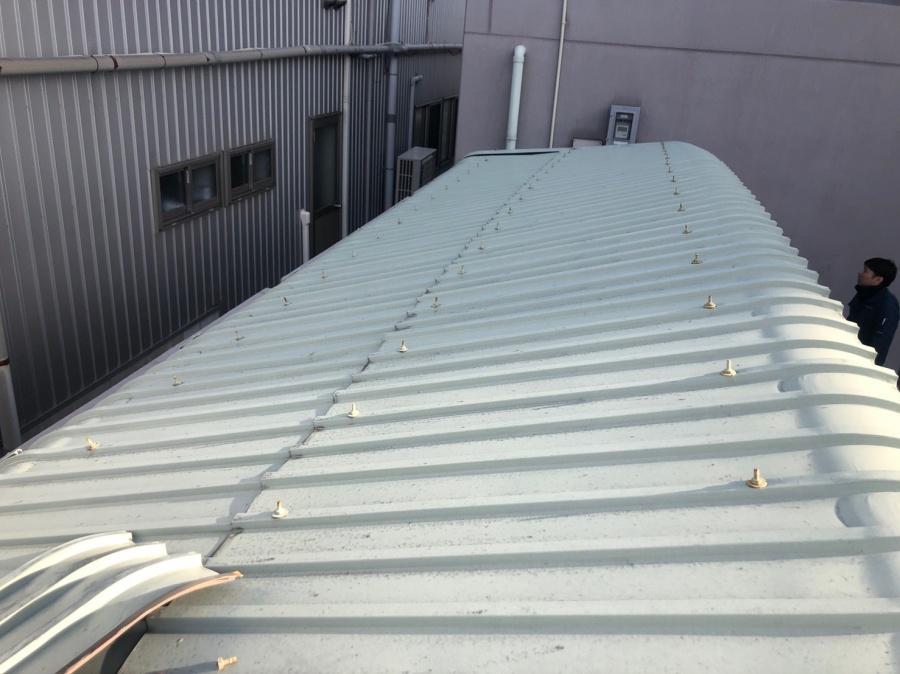 サイクルポートの屋根撤去