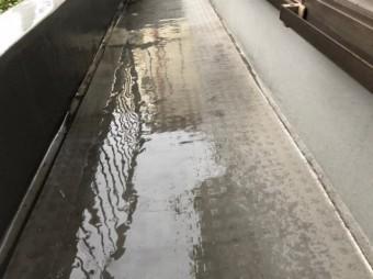 八尾市ベランダ雨漏り点検